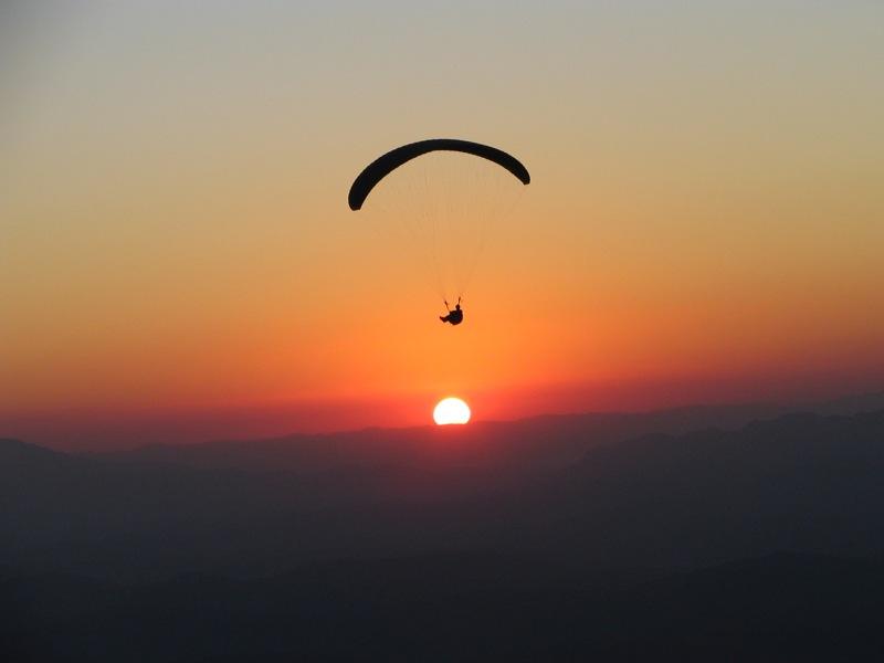 4 melhores lugares para saltar de paraquedas no sudeste